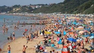 آلاف البريطانيين ناموا في السيارات والشواطئ.. لهذا السبب