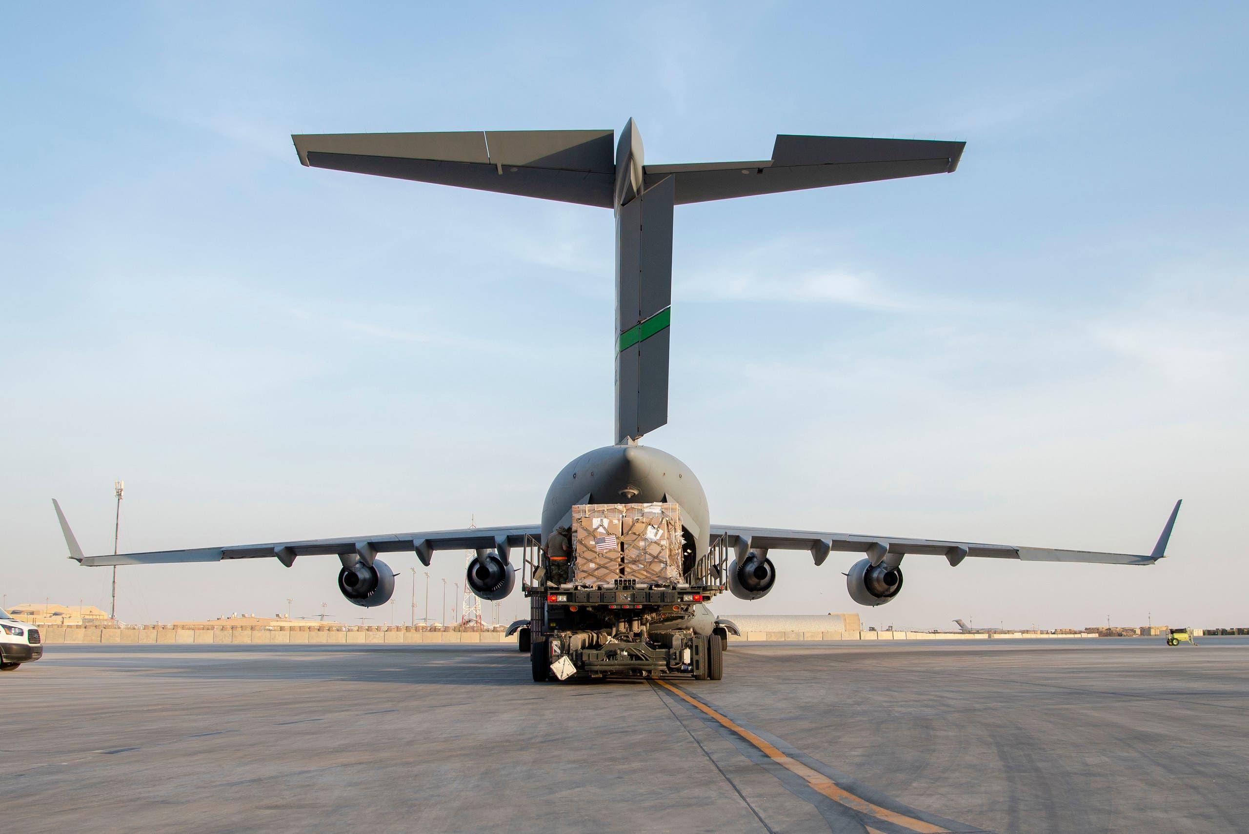 طائرة مساعدات أميركية للبنان عقب الانفجار