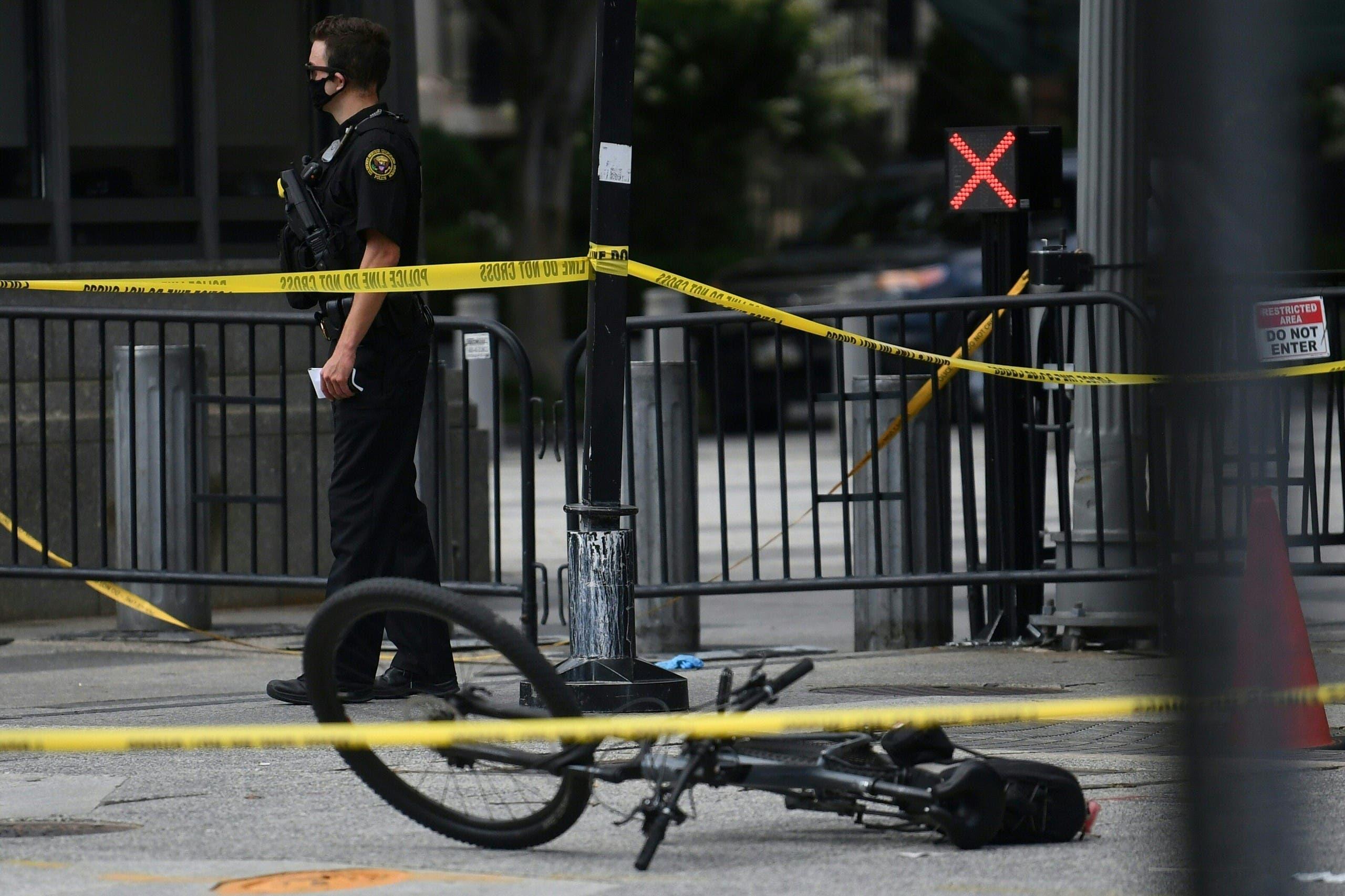 دوچرخه یکی از ماموران سرویس مخفی در خیابان پنسیلوانیا در نزدیکی کاخ سفید