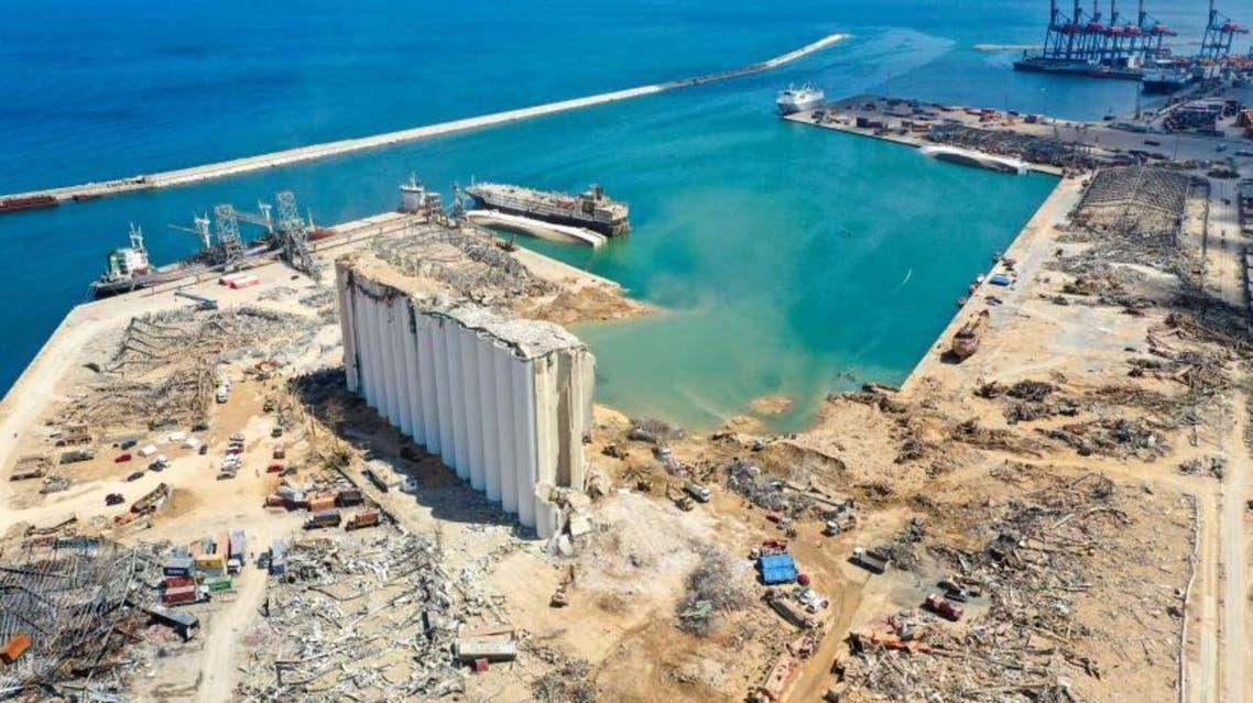 صومعة القمح شبه المدمرة في مرفأ بيروت (فرانس برس)