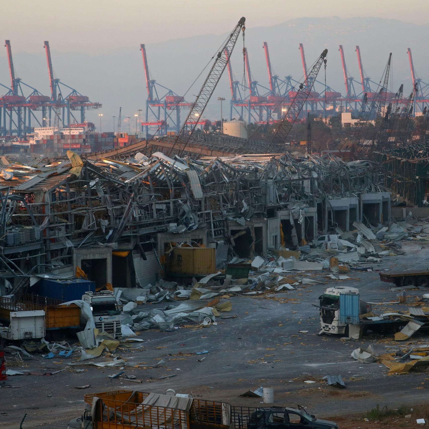 """انفجار بيروت يهز البرلمان.. سحب تواقيع """"تتستر"""" على الكارثة"""
