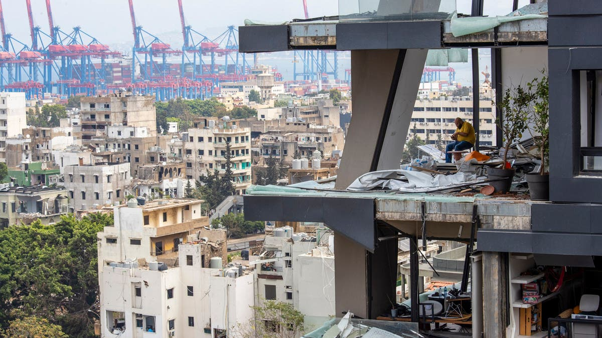 Beirut blast: Residents told to front repair costs by Lebanon's landlords thumbnail