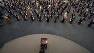 """شاهد الأسد يقطع كلمته أمام البرلمان.. """"هبوط في الضغط"""""""