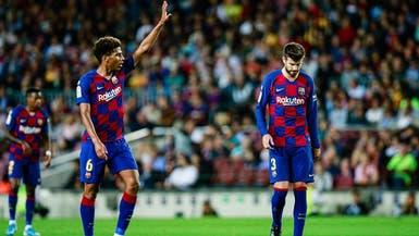 لاعب برشلونة يعلن إصابته بفيروس كورونا