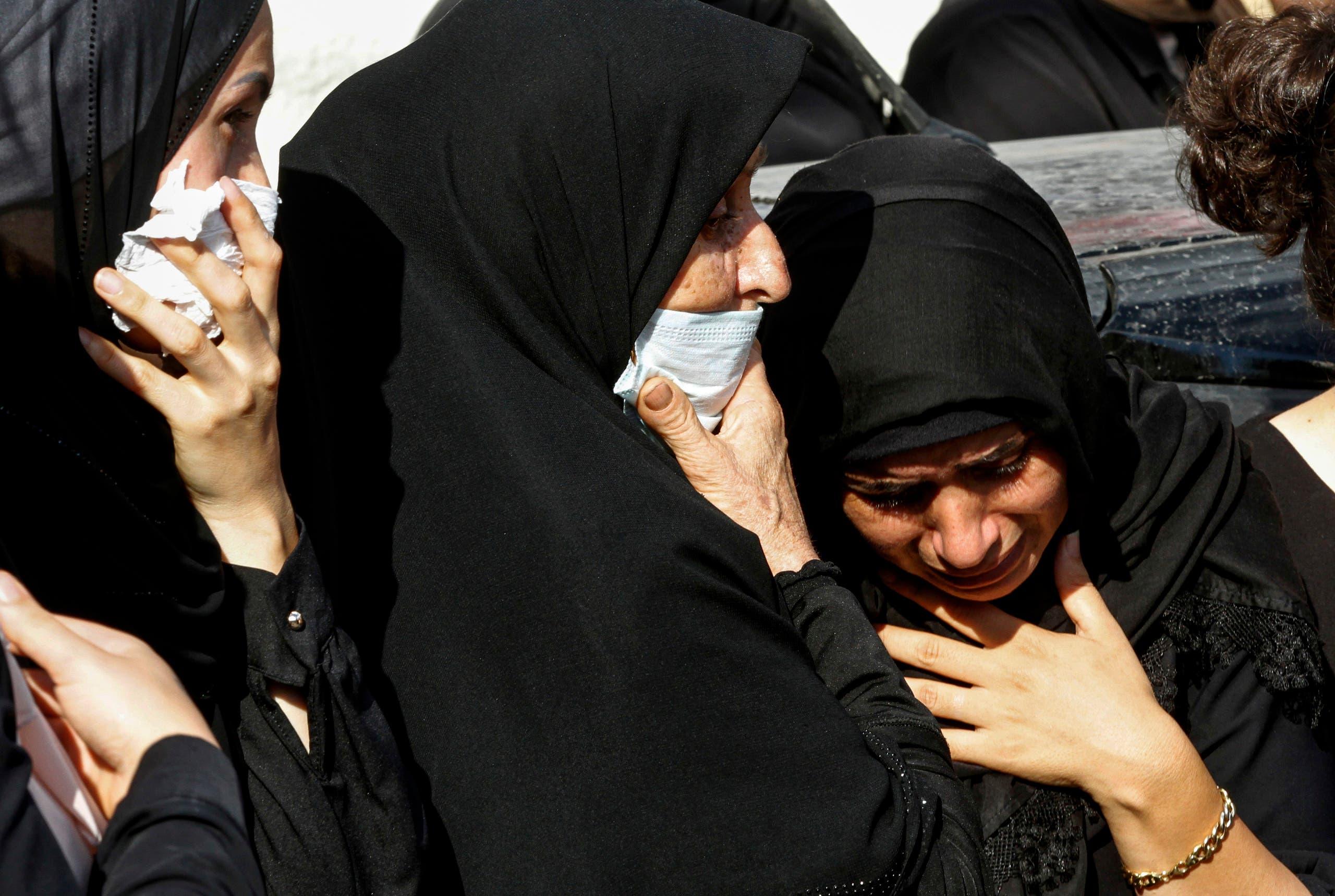 أهالي ضحايا سقطوا في انفجار مرفأ بيروت (فرانس برس)
