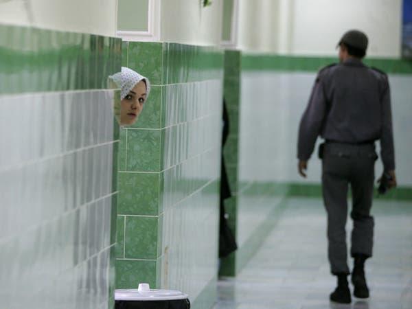 الوباء يتمدد في سجن إيراني.. والسلطات ترد عبر التلفزيون