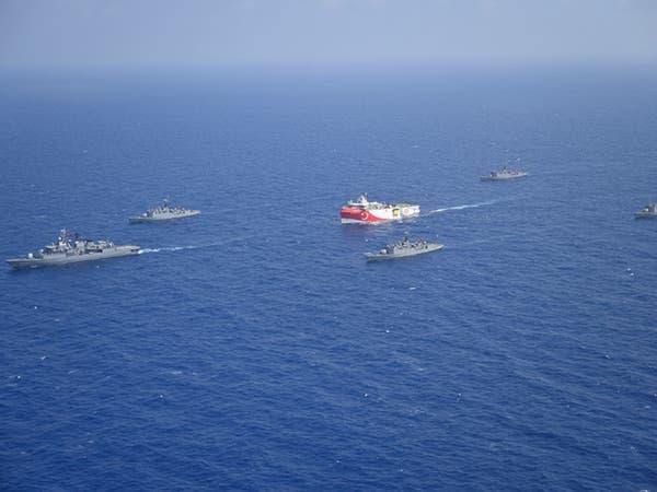 """""""حادث"""" في المتوسط بين سفينتين حربيتين.. تركية ويونانية"""
