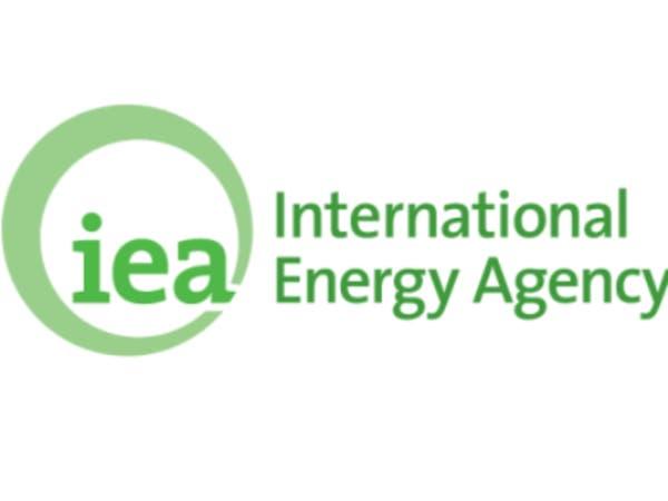 وكالة الطاقة تتوقع انخفاض الطلب العالمي على الطاقة 6%