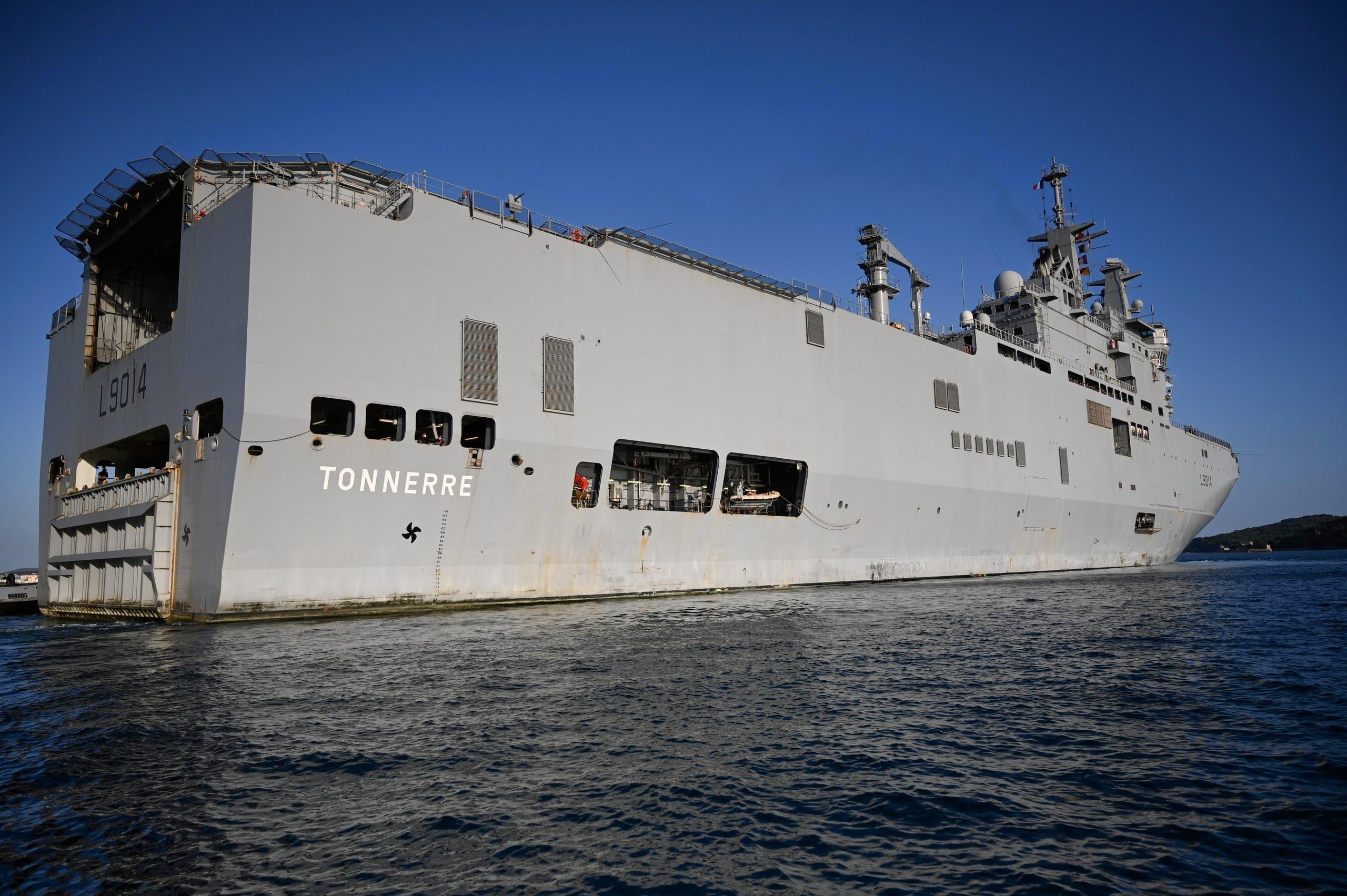 """سفينة """"لو تونير"""" الحربية الفرنسية  التي توجهت إلى بيروت"""