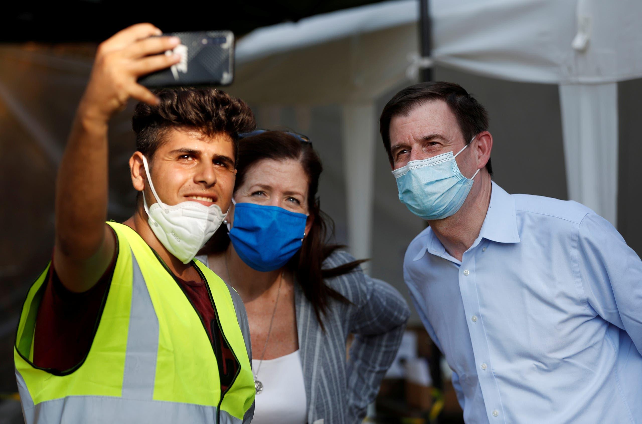 هيل يلتقي المتطوعين لمساعدة المتضررين من انفجار بيروت
