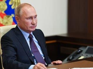 """علماء روس مخضرمون يفتحون النار على لقاح بوتين """"المُعجل"""""""