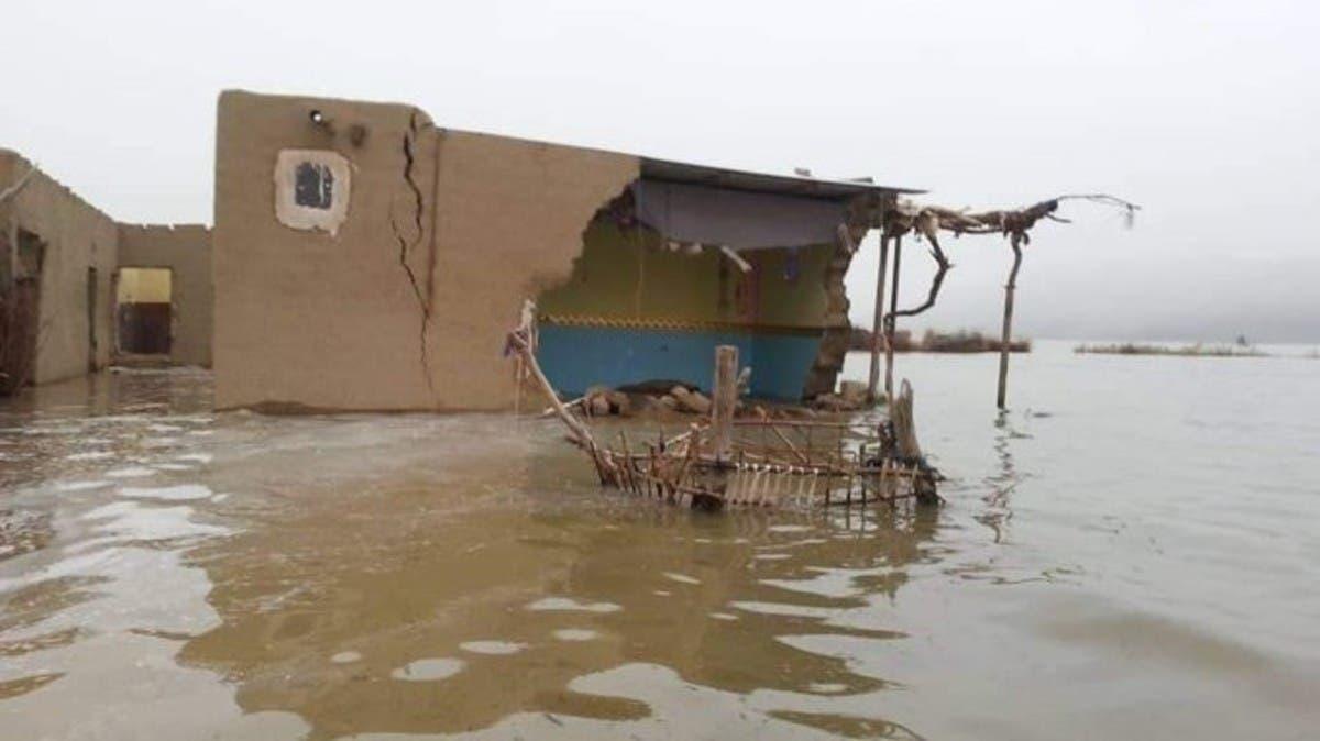 شاهد.. وفيات ومنازل مهدمةبسيول جارفة شرق اليمن