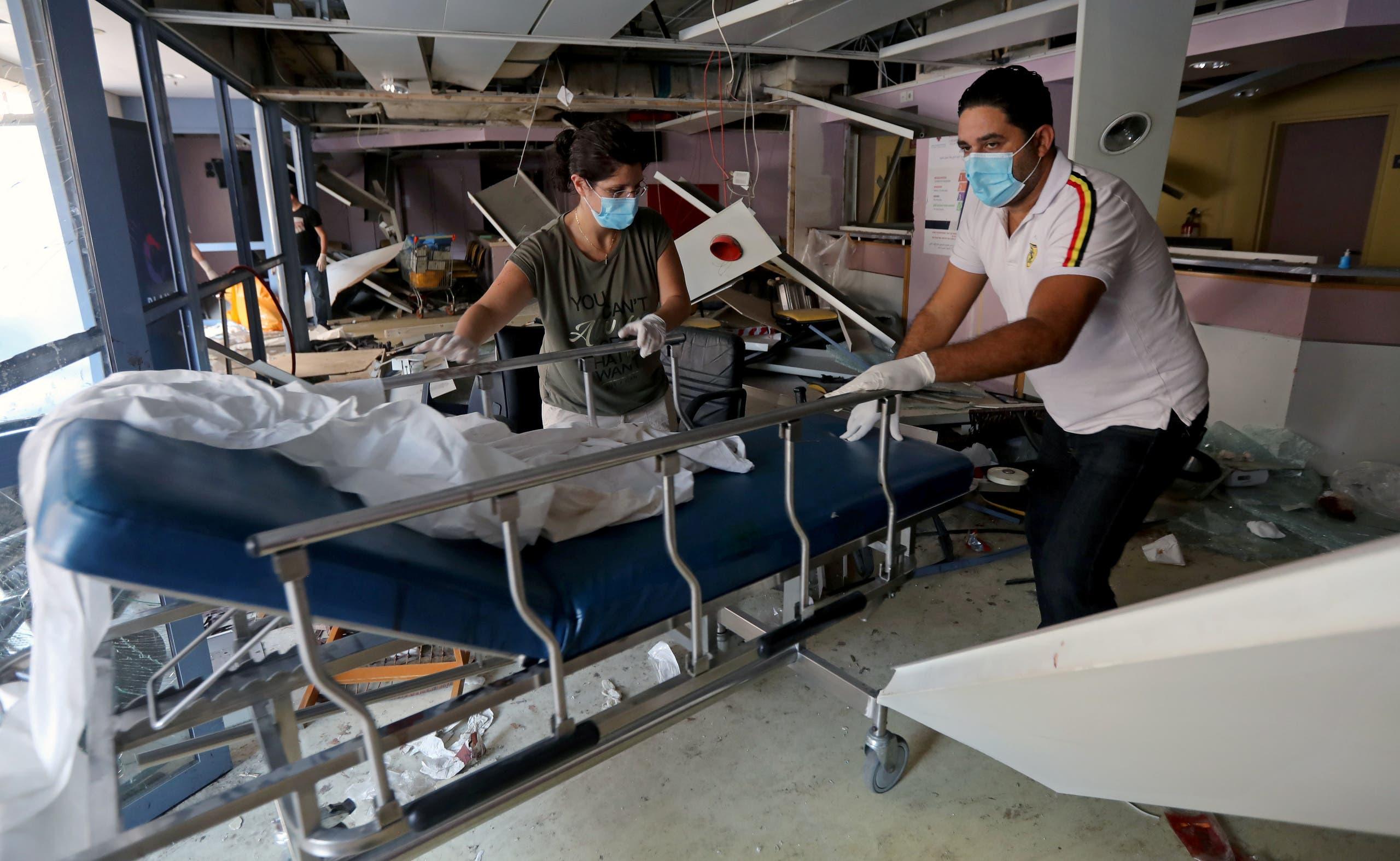 أحد مستشفيات بيروت المتضررة من الانفجار