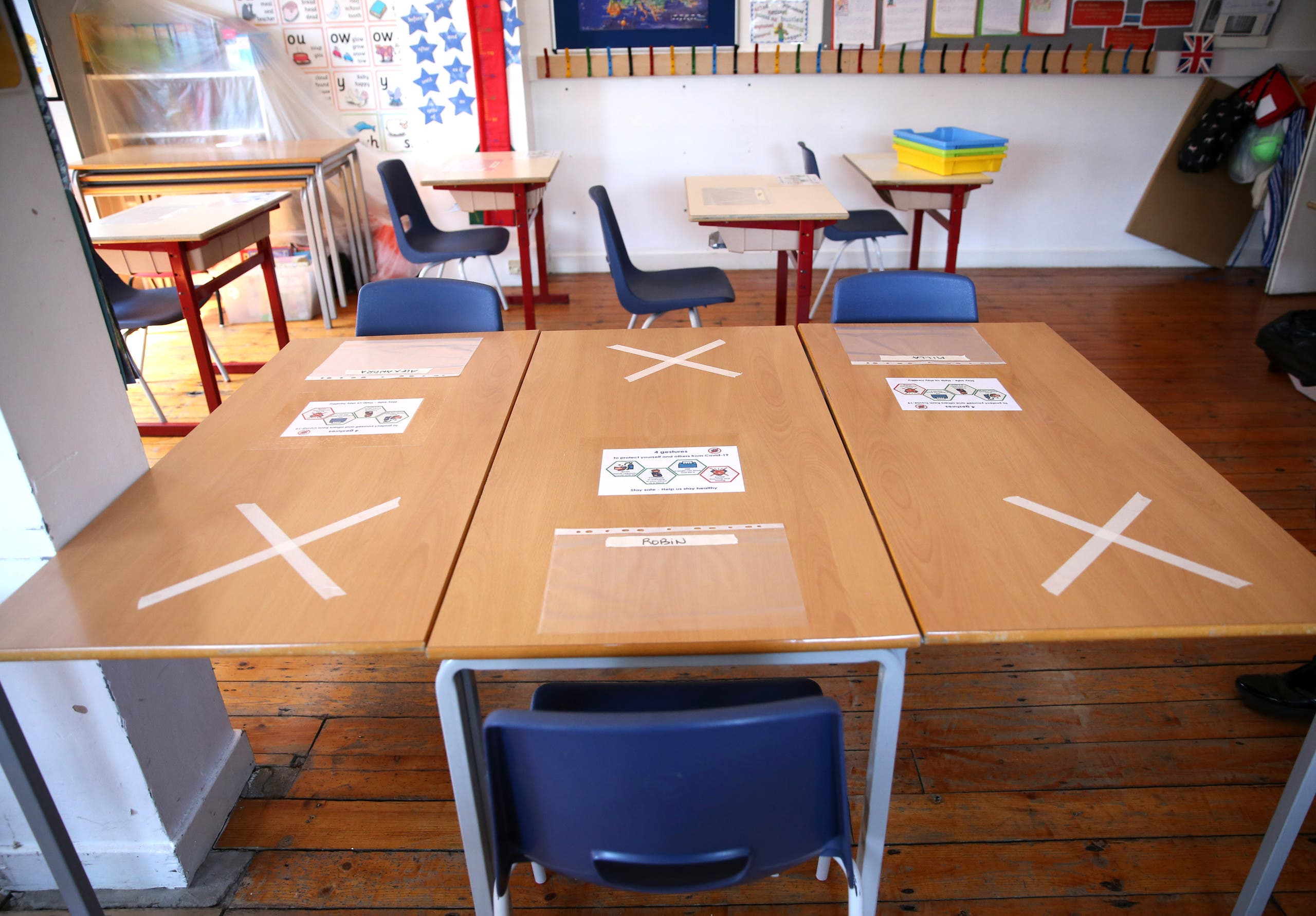 تباعد اجتماعي في إحدى مدارس لندن