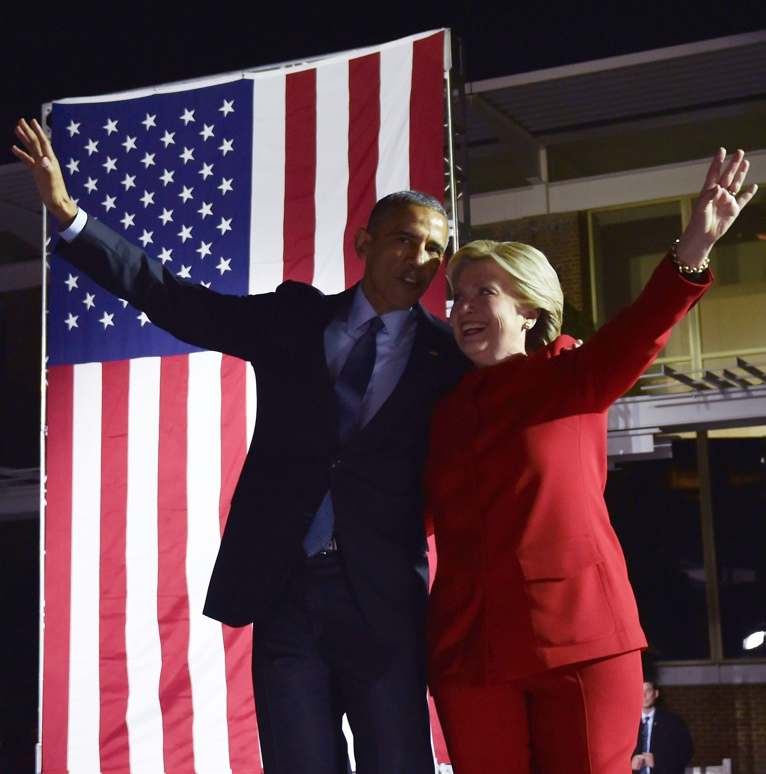 أوباما يشارك في أحد تجمعات كلينتون الانتخابية في 2016