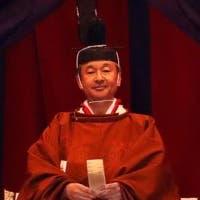 """إمبراطور اليابان يبدي """"ندمه الشديد"""" على ماضي بلاده وقت الحرب"""