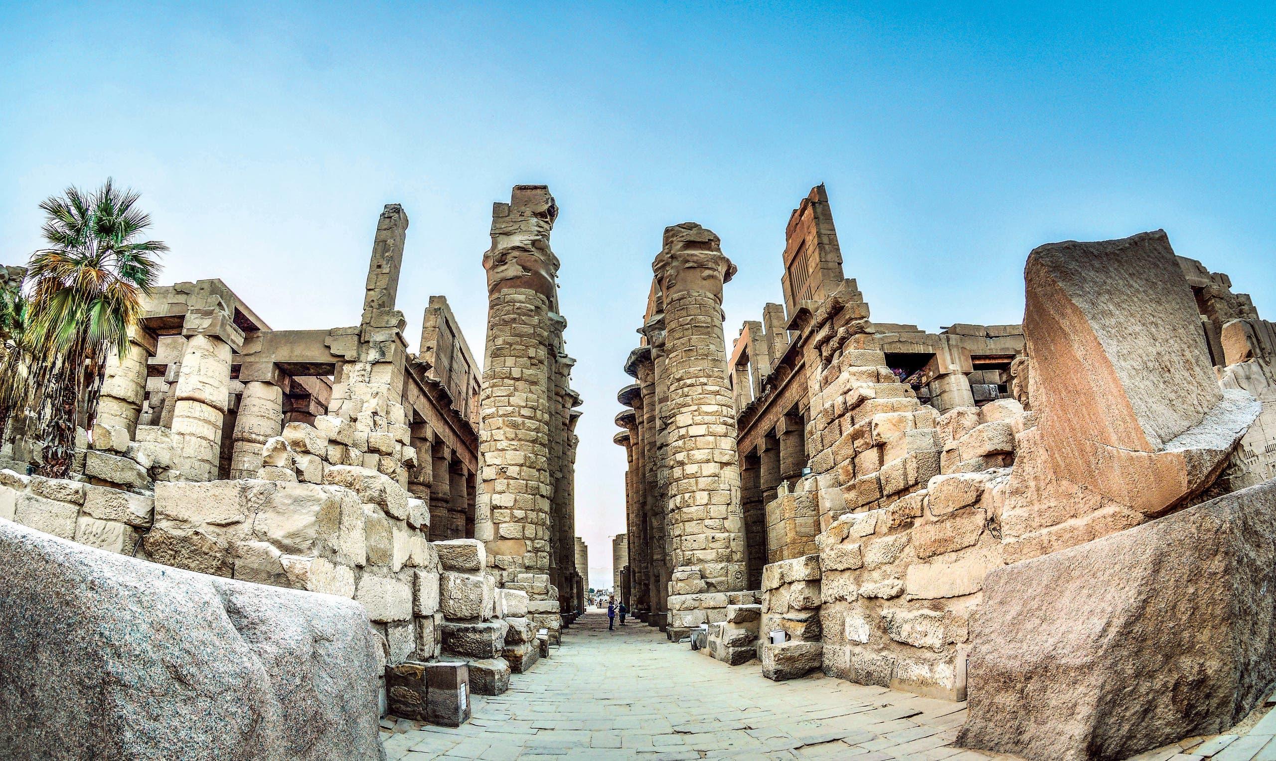 مدينة المئة باب أو مدينة الشمس .. الأقصر تاريخ الحضارة المصرية على شاطئ النيل الكرنك