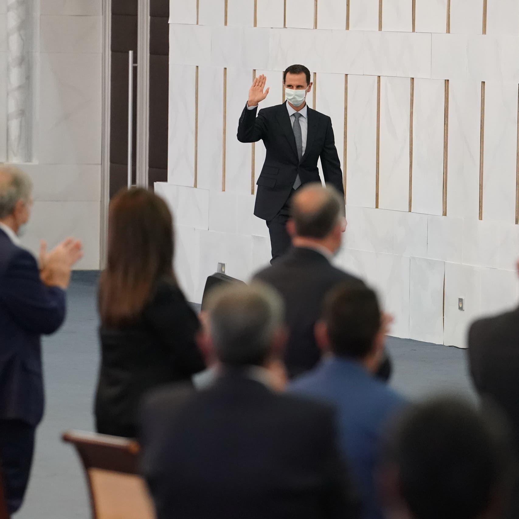 وفاة 61 طبيباً وصيدلانياً بكورونا.. الأسد: البقاء للأقوى
