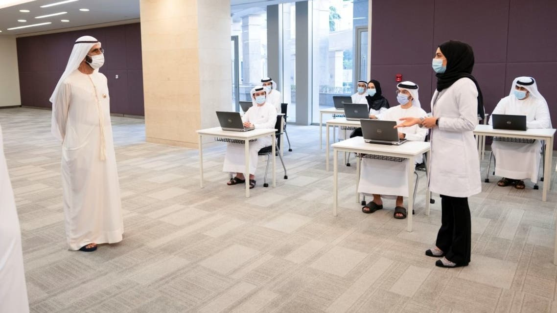 Dubai ruler visits COVID-19 command and control center