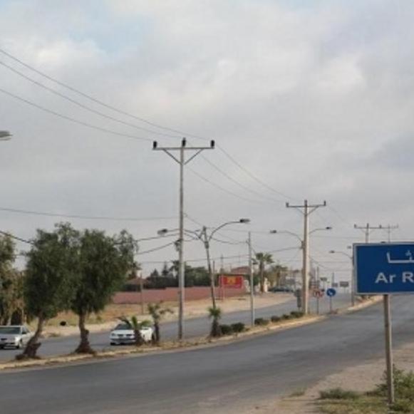 من سوريا إلى الأردن.. شاحنات تنقل البضائع والفيروس