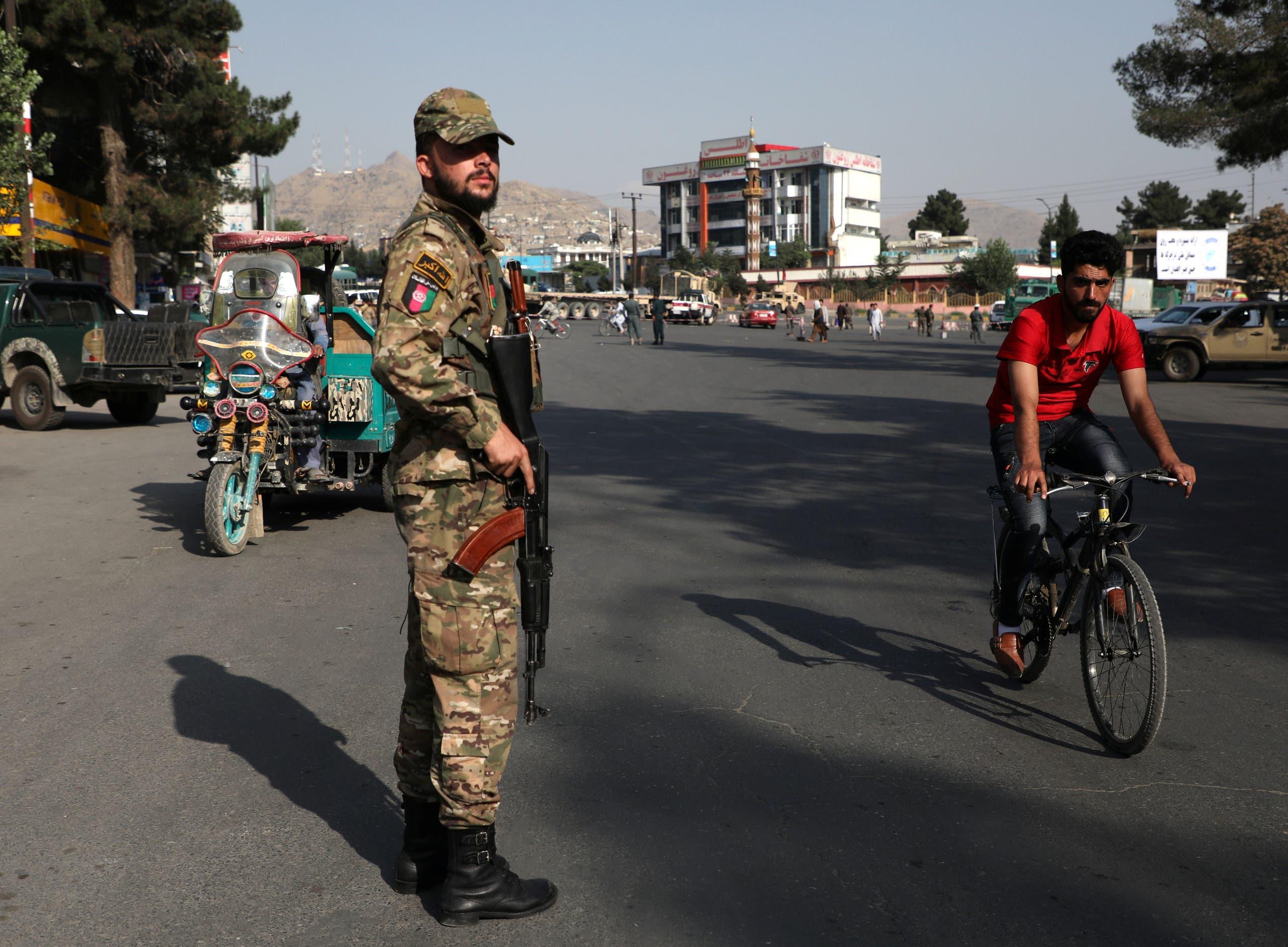 قوات أمن أفغانية (رويترز)
