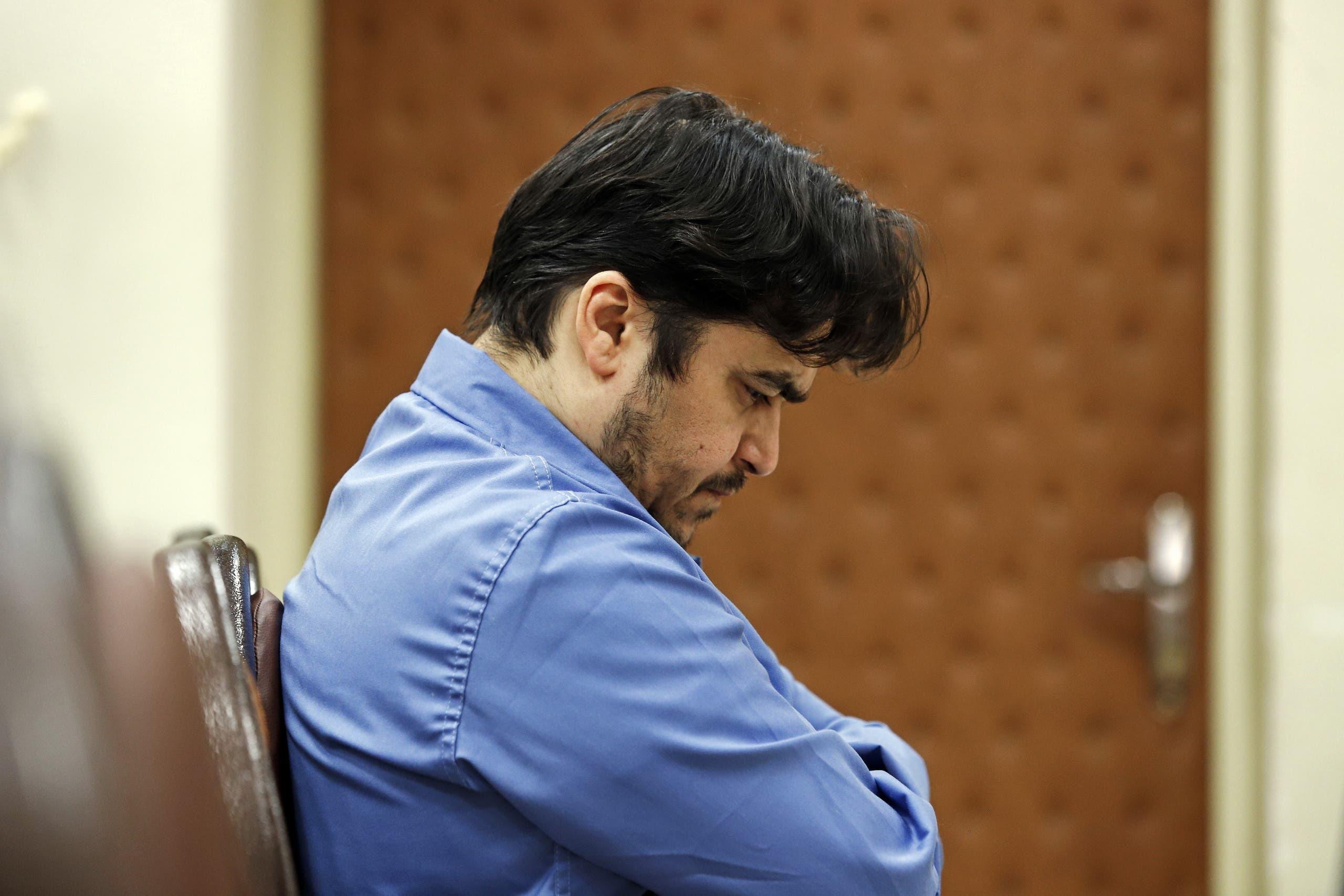 روح الله زم که توسط رژیم جمهوری اسلامی ربوده و اعدام شد
