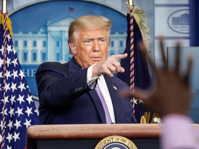 كورونا يصيب موظفا في البيت الأبيض.. ترمب: لم يقترب مني