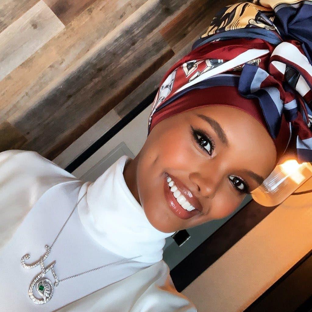 هذا هو أول حجاب يحمل توقيع دار تومي هيلفيغر الأميركية