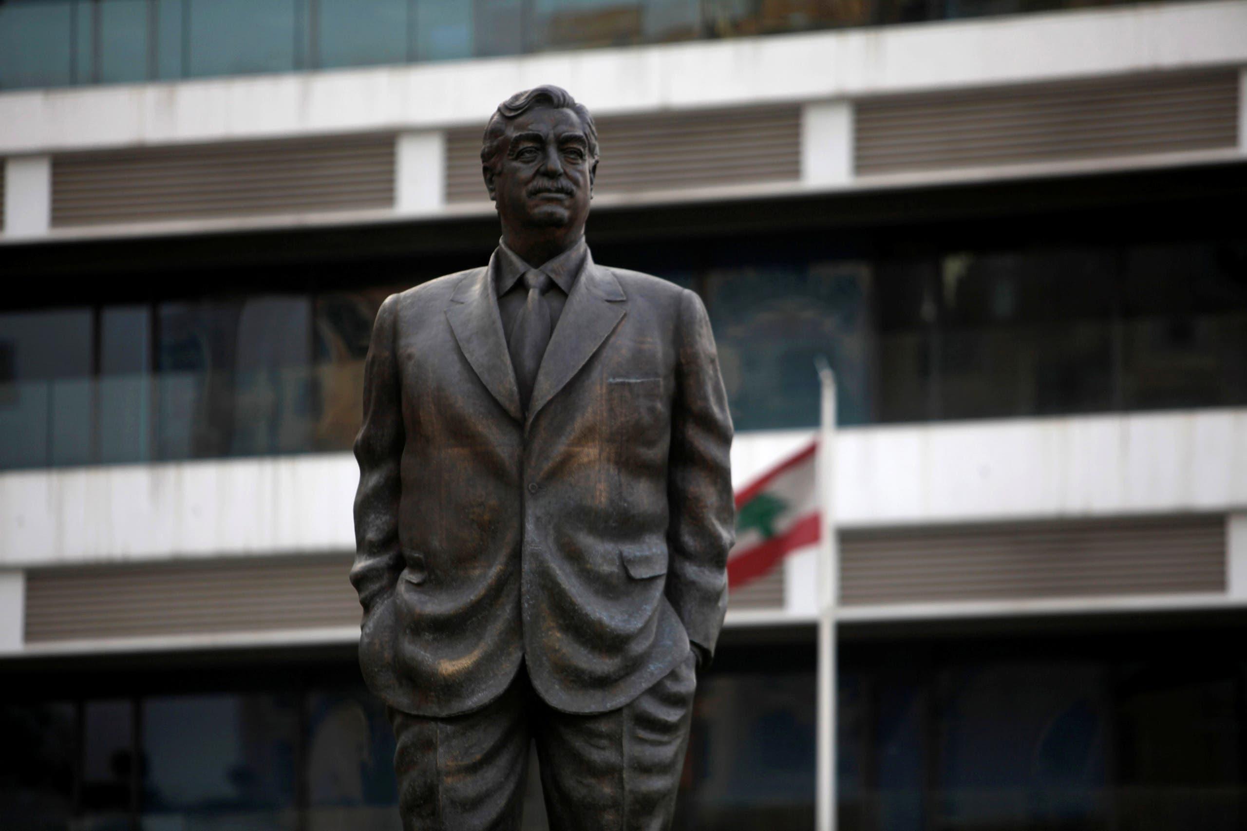 تمثال لرفيق الحريري وسط بيروت