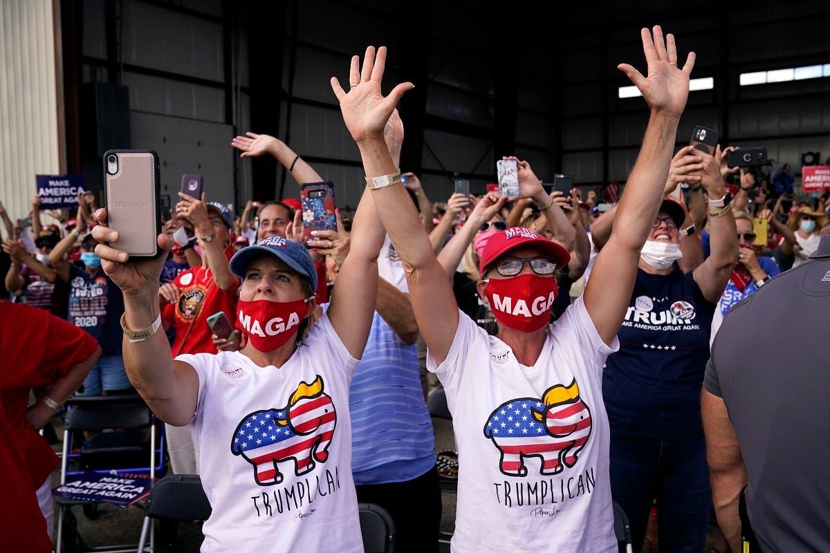 Supporters cheer as US President Donald Trump speaks during a campaign rally, Aug. 17, 2020, in Oshkosh, Wisconsin. (AP)