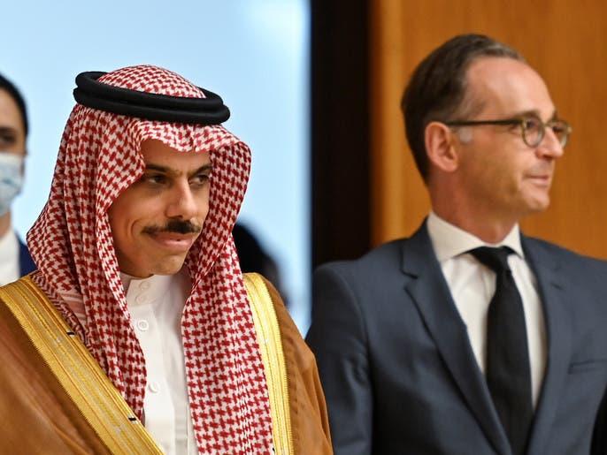 السعودية: ملتزمون بخطة السلام العربية