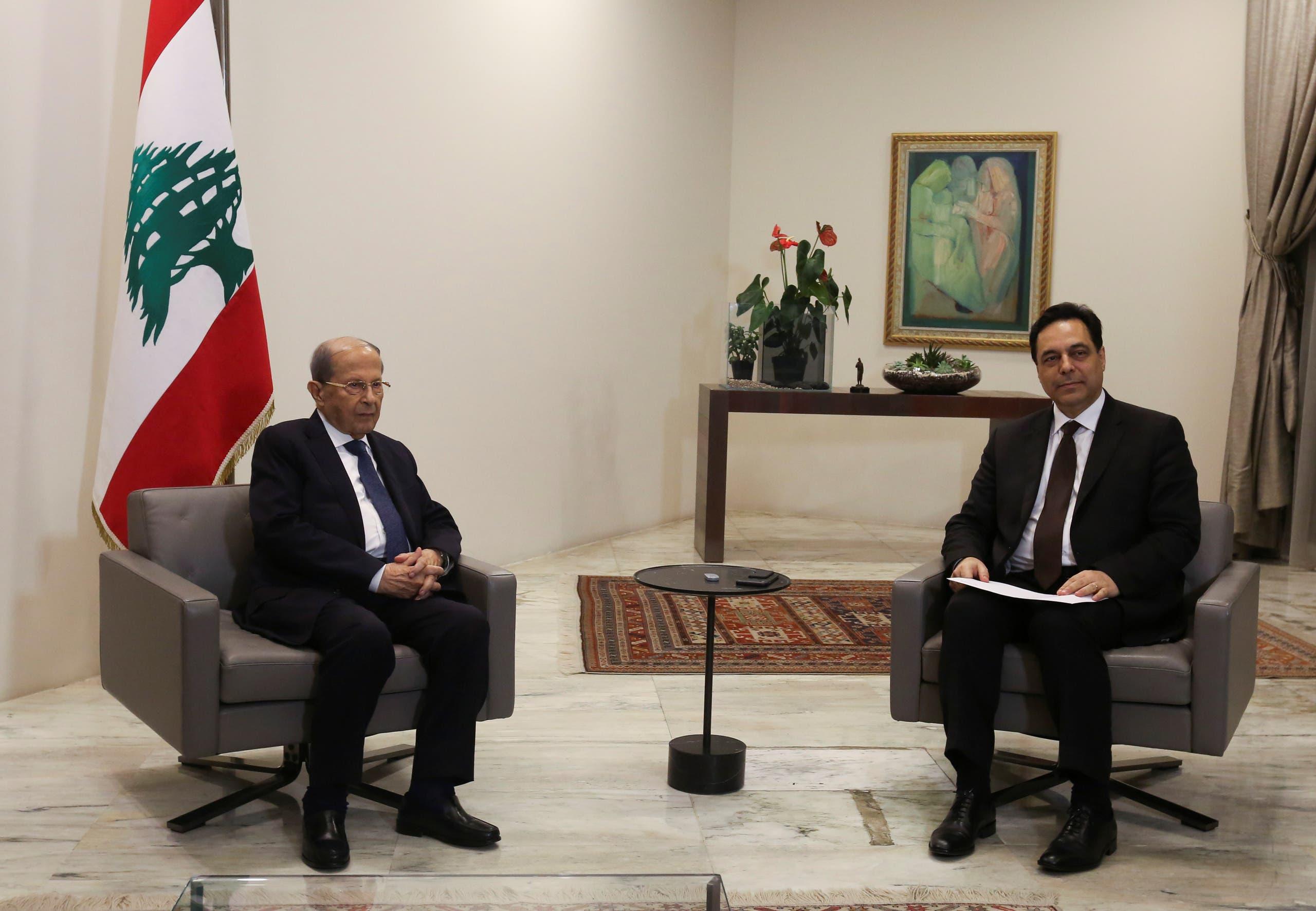 حسان دياب يتقدم باستقالة الحكومة لعون