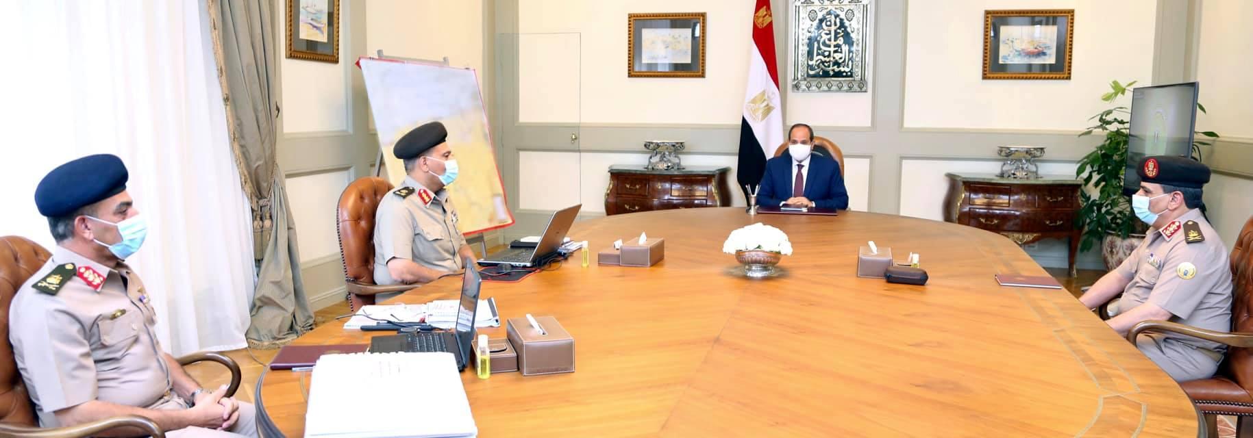 جانب من اجتماع السيسي بقادة الجيش