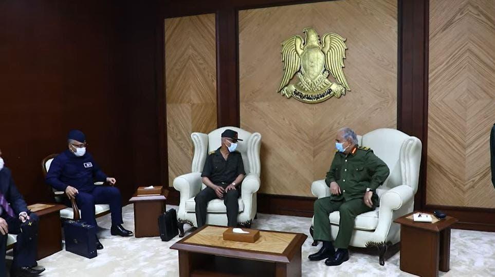 جانب من لقاء حفتر برئيس المخابرات الحربية المصرية