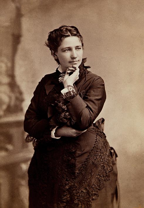 صورة التقطت في حدود ستينيات القرن التاسع عشر لفكتوريا وودهل