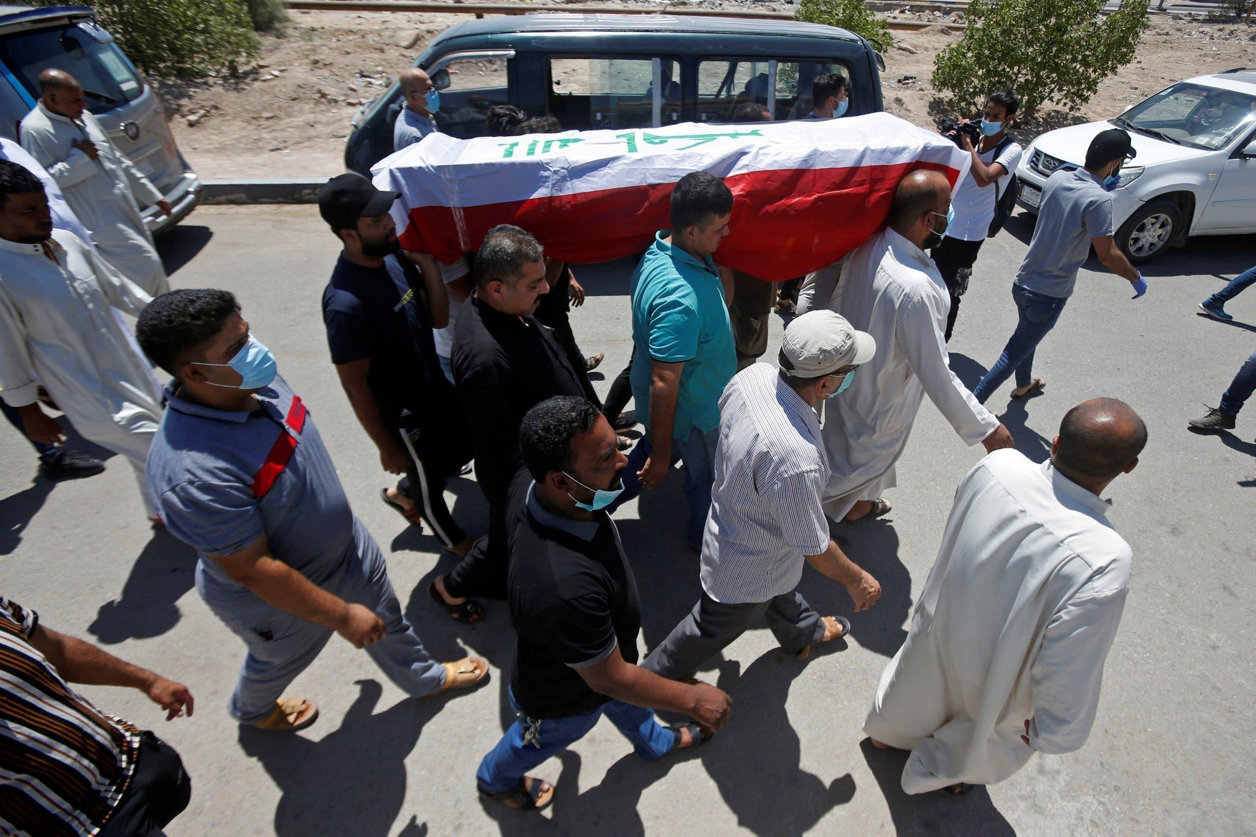 تشییع جنازه ریهام یعقوب فعال سیاسی بصره که روز چهارشنبه ترور شد