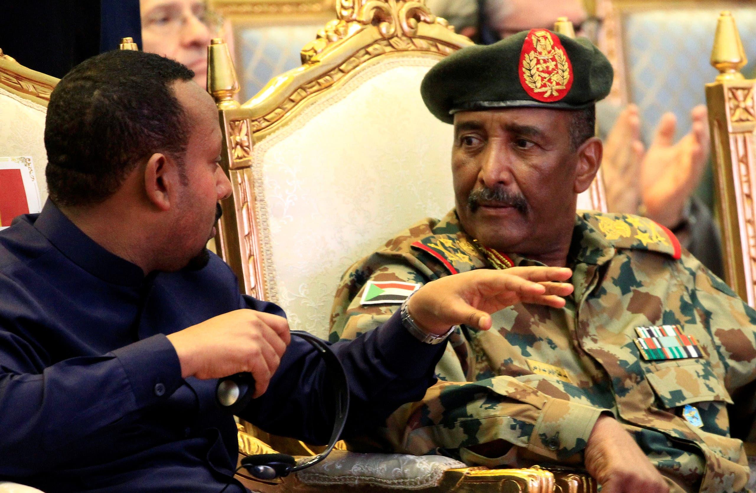 لقاء سابق بين آبي أحمد ورئيس المجلس الانتقالي عبدالفتاح البرهان في الخرطوم في أغسطس الماضي