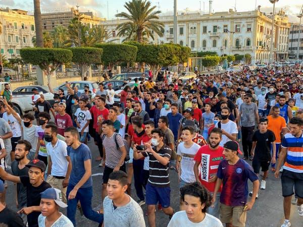 يوم ثالث من التظاهر بطرابلس.. والمحتجون إلى ميدان الجزائر