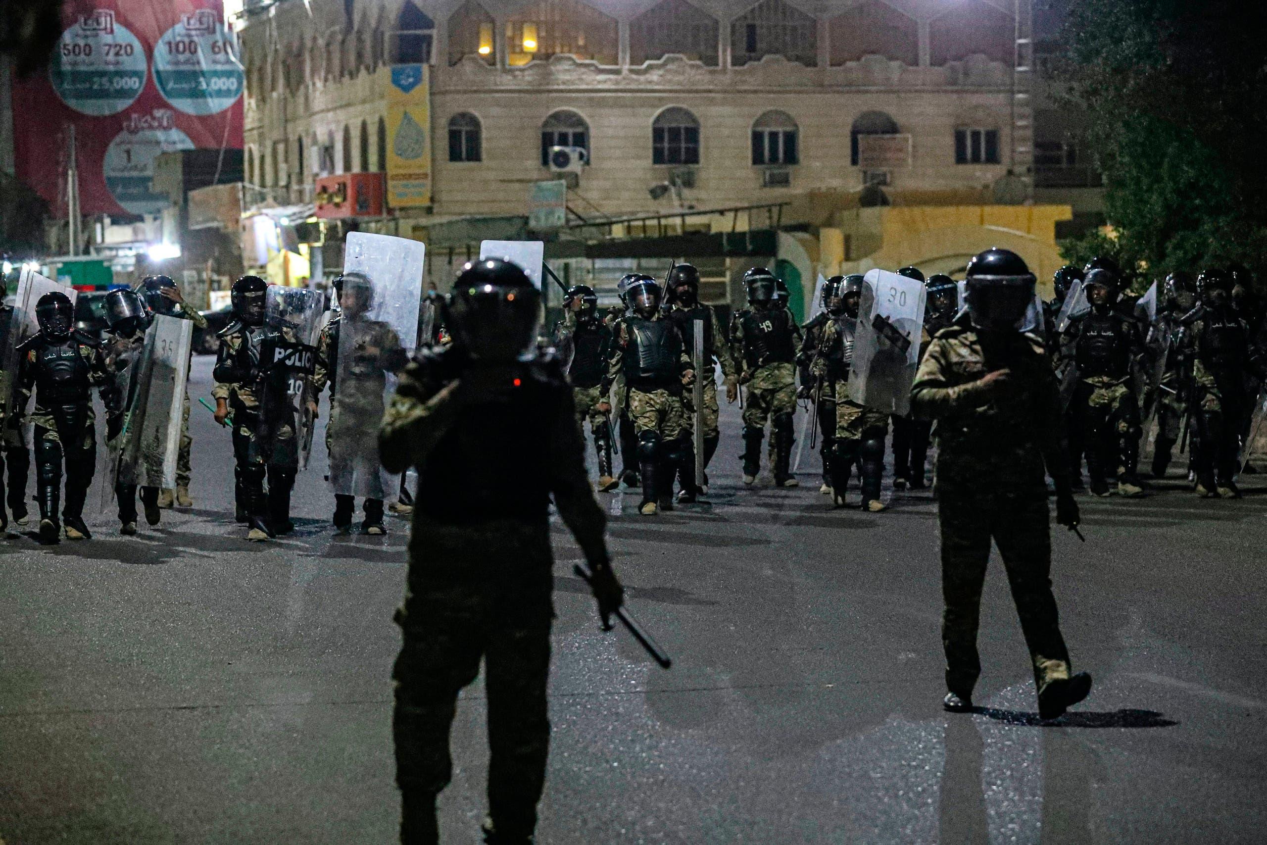 الشرطة العراقية خلال احتجاج البصرة يوم الجمعة