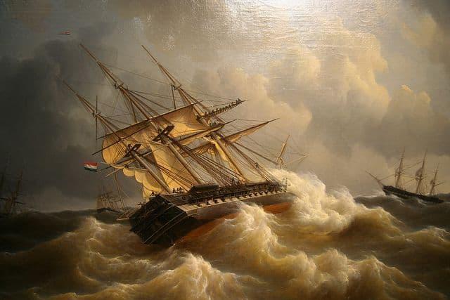 لوحة تبرز سفينة فرنسية أثناء مصارعتها للأمواج
