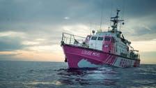 فنان مشهور يرسل سفينة لإنقاذ المهاجرين.. فتستغيث بدورها