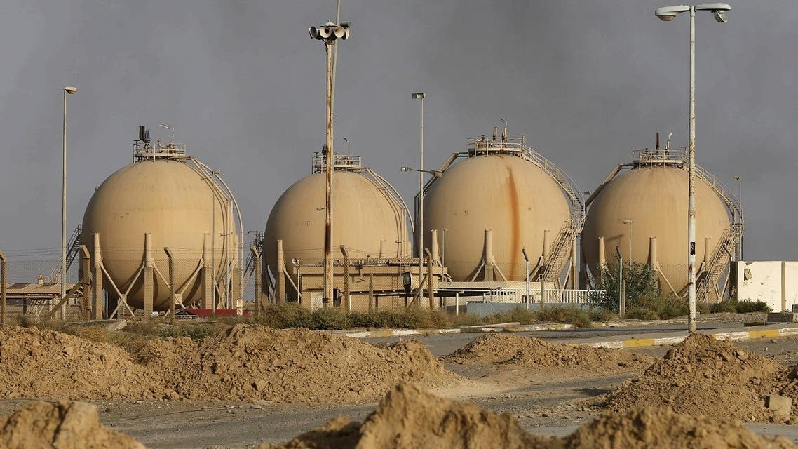 A view of Baiji oil refinery, north of Baghdad, October 16, 2015. (Reuters)