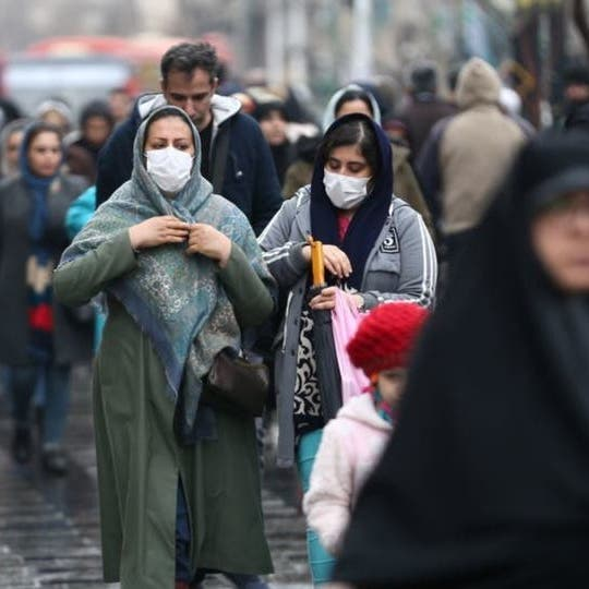 إيران تفرض غرامات على مخالفي إجراءات الوقاية من كورونا