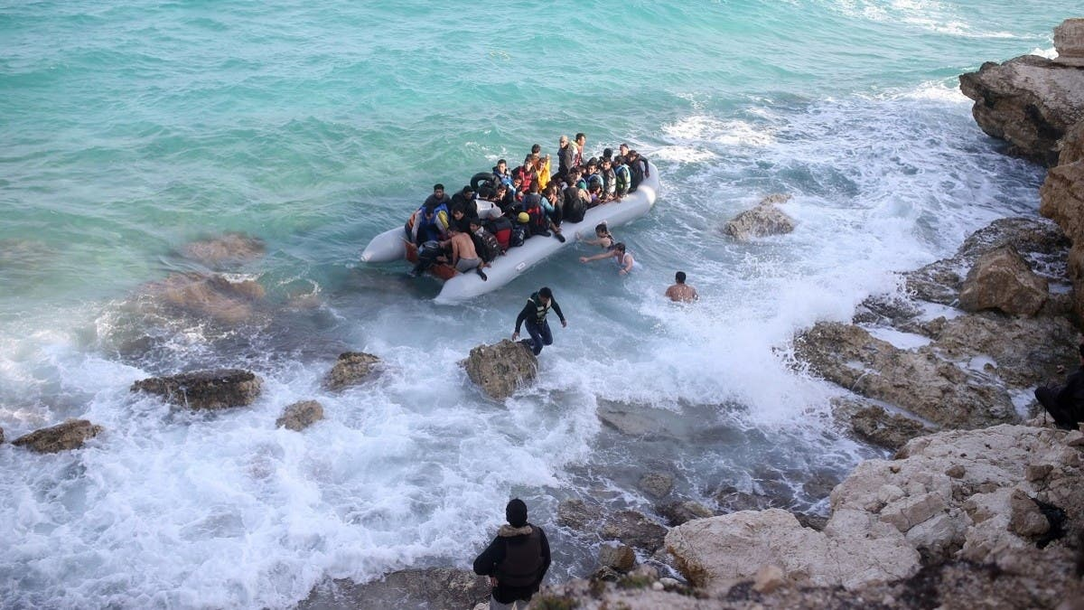 26 Turkish asylum-seekers, persecuted by Erdogan's regime, land in Greece thumbnail