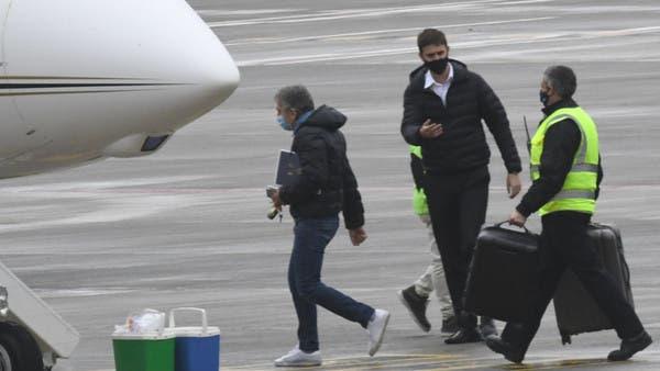 والد ميسي يسافر إلى برشلونة لحسم وجهة الأرجنتيني