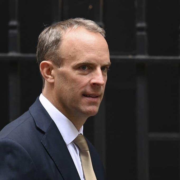 وزير الخارجية البريطاني بالحجر بعد مخالطته مصابا بكورونا