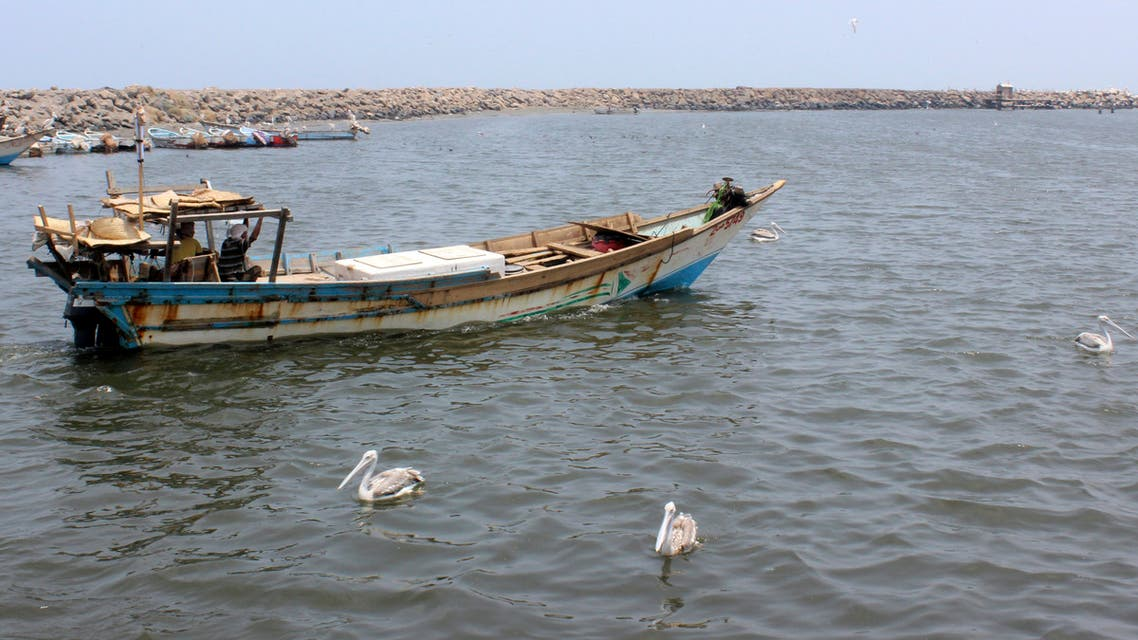 مركب صيد في البحر الأحمر قبالة الحديدة (أرشيفية- فرانس برس)
