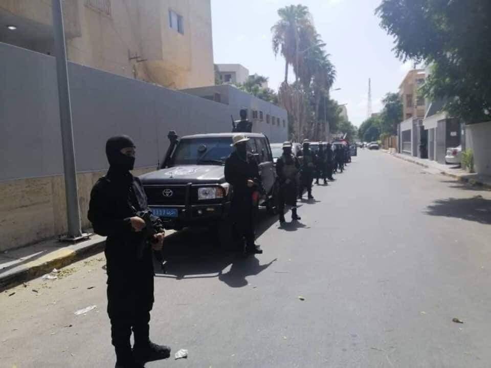 صور من محيط رئاسة الوزراء للانتشار قوات تابعة لباشاغا