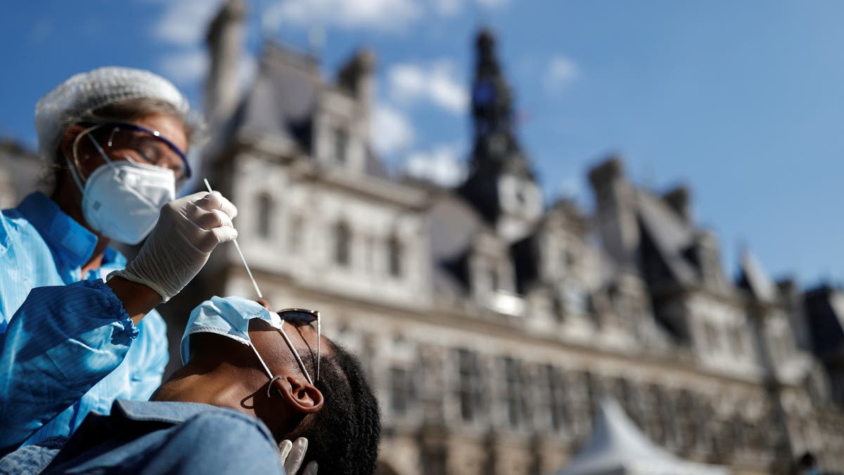 Coronavirus: France registers over 7,000 new COVID-19 infections thumbnail