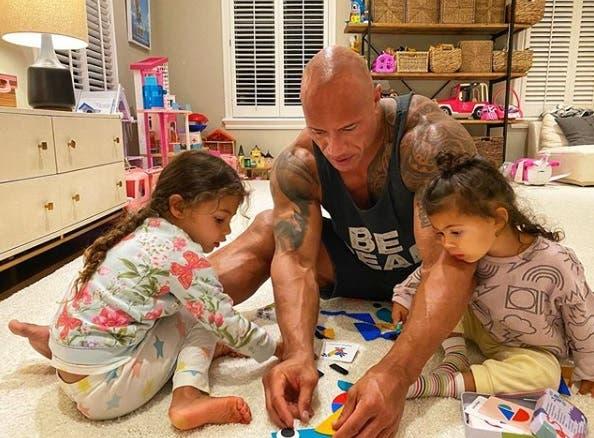 Avec ses deux filles